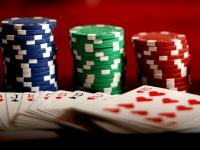 Jugar al póquer: Defensa y robo de ciegas