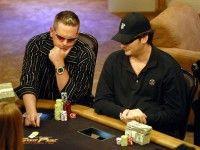 Jugar póker: Estrategia tight-agresiva
