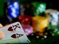 Desmontando mitos del juego de póker: El poder de las suited