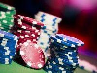 Desmontando mitos del juego de póker: El halo del «profesional»
